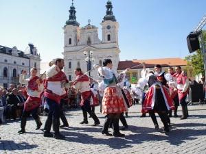 5468926-uherske-hradiste-slovacke-slavnosti-vina-a-otevrenych-pamatek-2013_denik-630